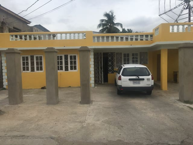 Private Home containing 6 studio flats - Portmore