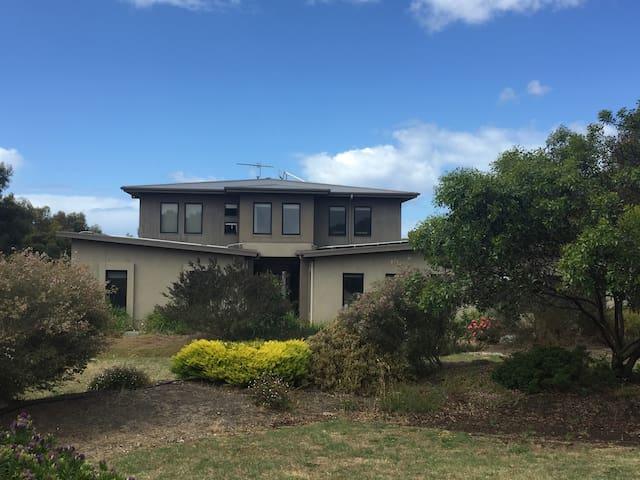 Torquay apartment - Ocean Acres Estate