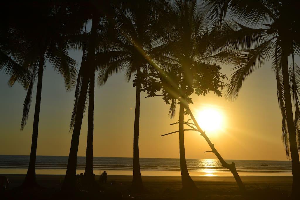 Playas cercanas. a 1 hora de distancia puedes disfrutar de bellas playas aquí en Guanacaste..