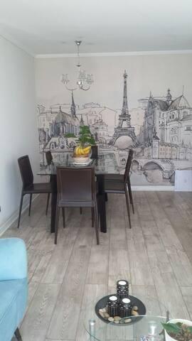 Great location, lightly room! - Las Condes - Departamento