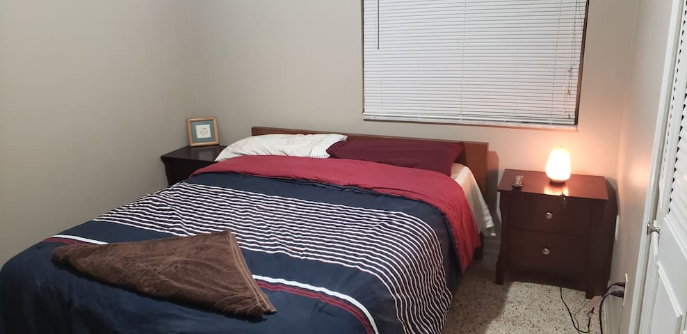 Renta habitación serca de univercidad fiu y malles