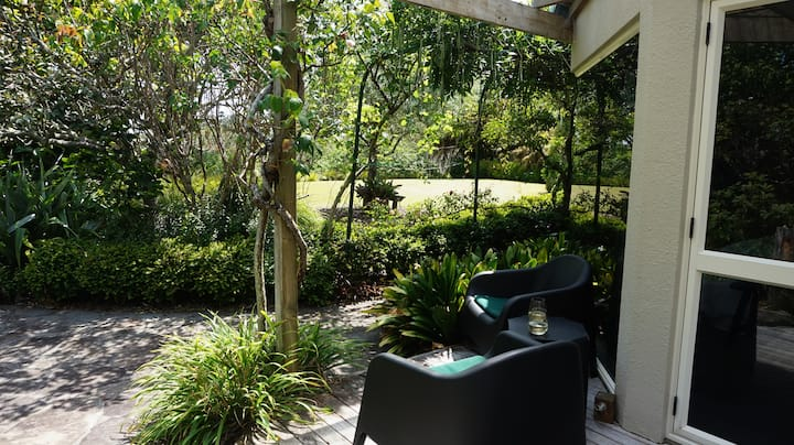 Spacious Comfort Tranquil  Private Garden Setting