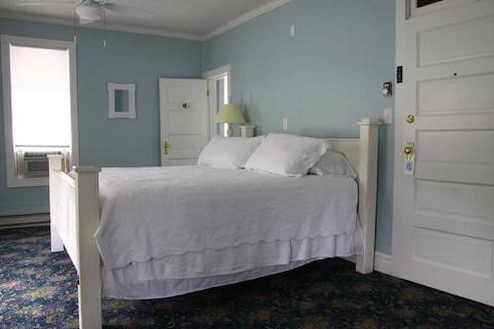 Blue Room for 2 at Historic Blue Pelican Inn
