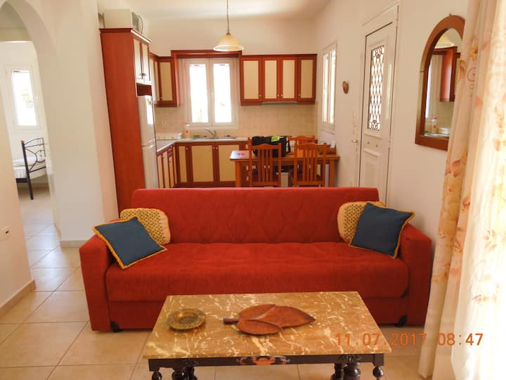 Quiet land house in Cephalonia for vacations