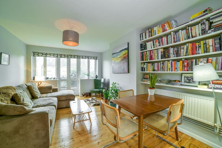Beautiful Cosy 1BR East Finchley Flat With Parking