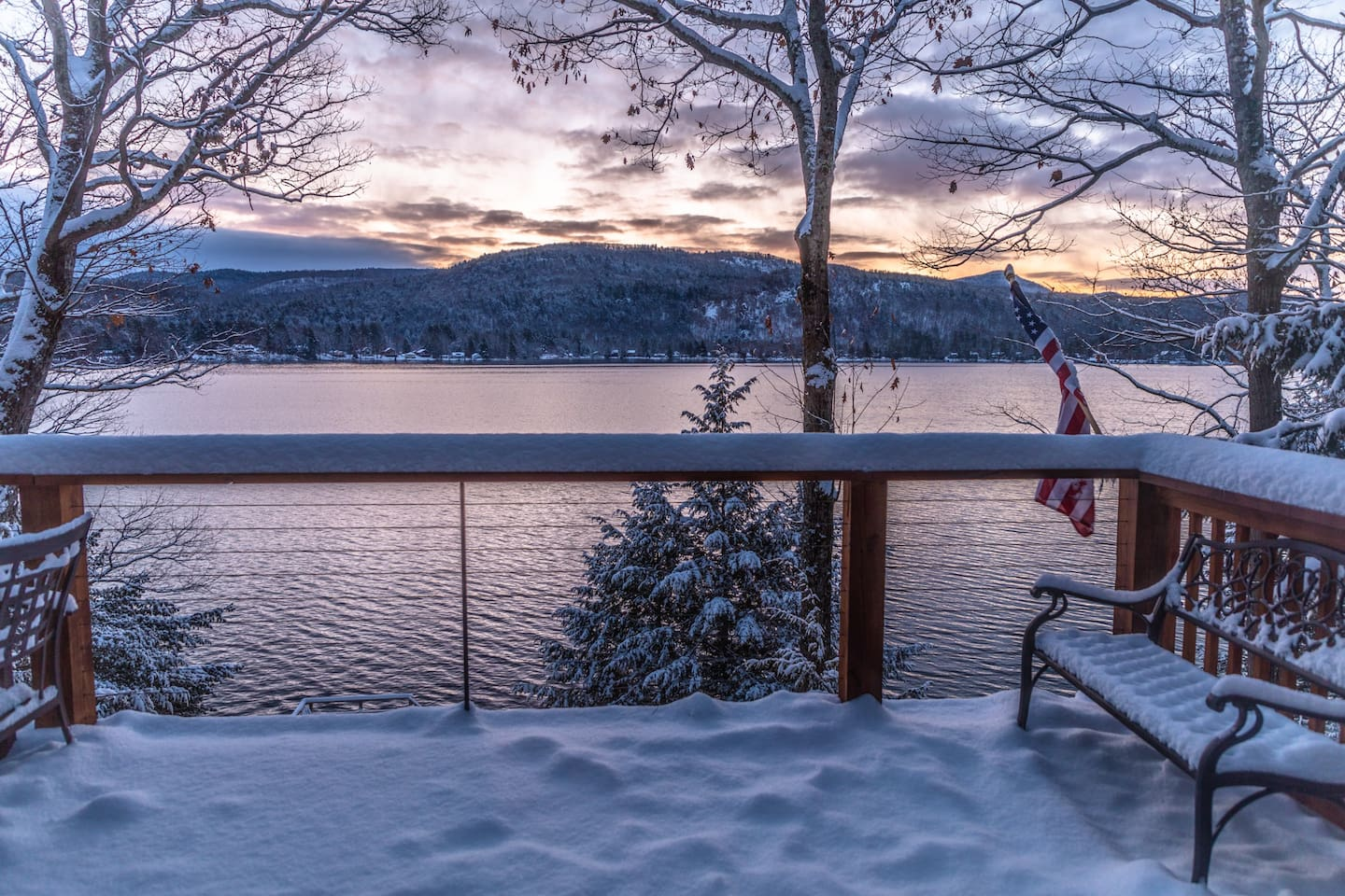 Winter mornings are just as amazing at the lake!
