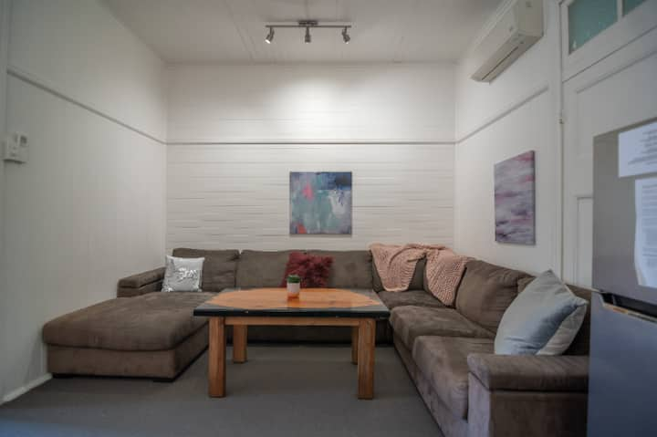 1 Bedroom Apartment ///// Cairns Central