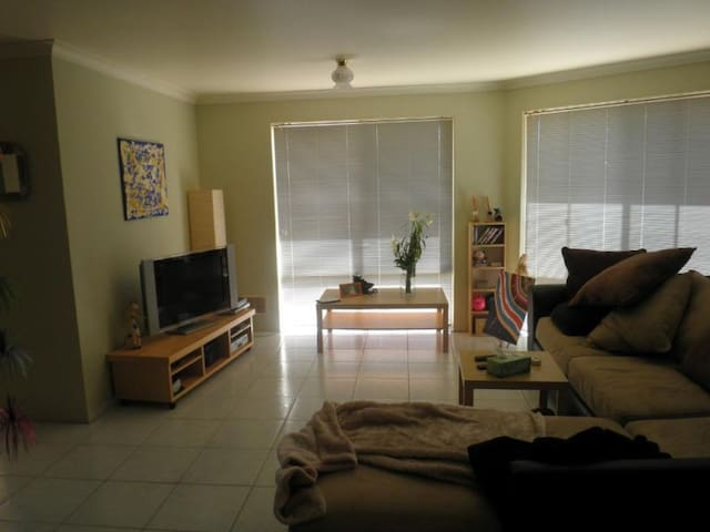 Comfortabe room in Beautiful Mandurah - Greenfields - Casa