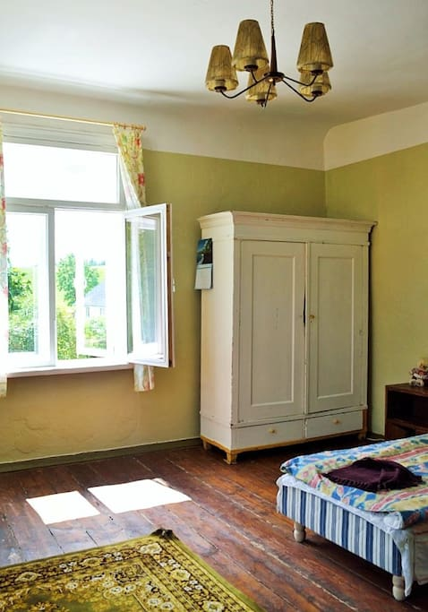 Guestroom - simple, but cosy :-)