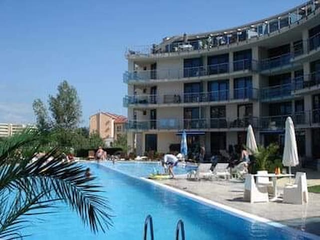 * Pool view apartment in Sunny beach *
