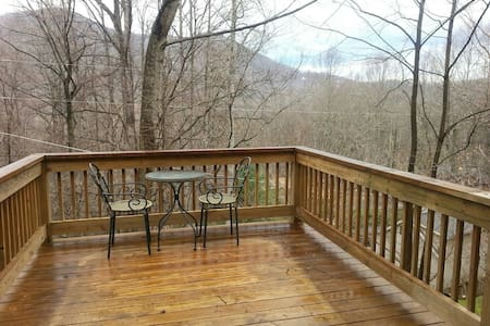 Mountainside Suite with great views - 매기 밸리(Maggie Valley)