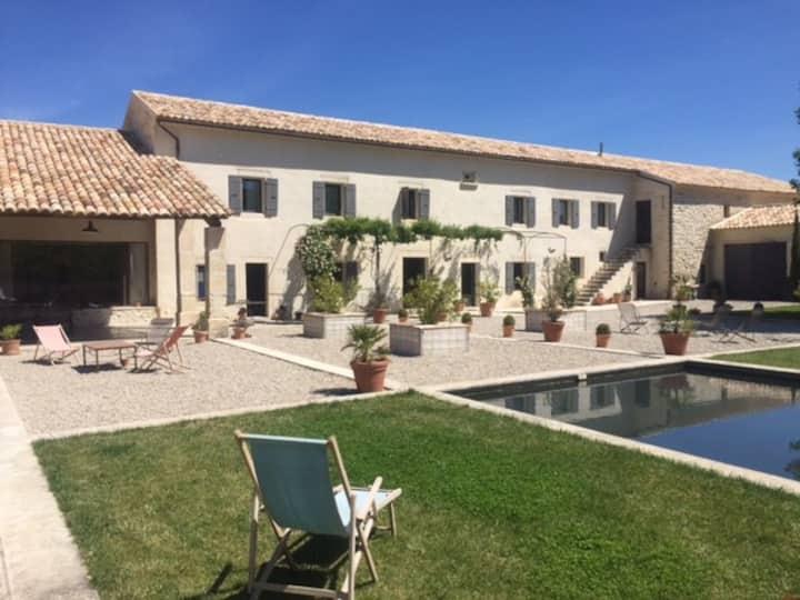 Mas of Saint Chétin, dream holidays in Provence