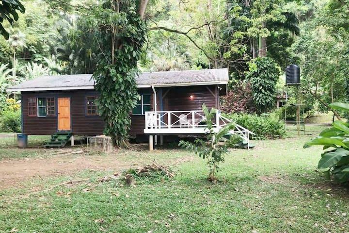Man 'O War Bay Cottage # 9 (2 Bedroom)