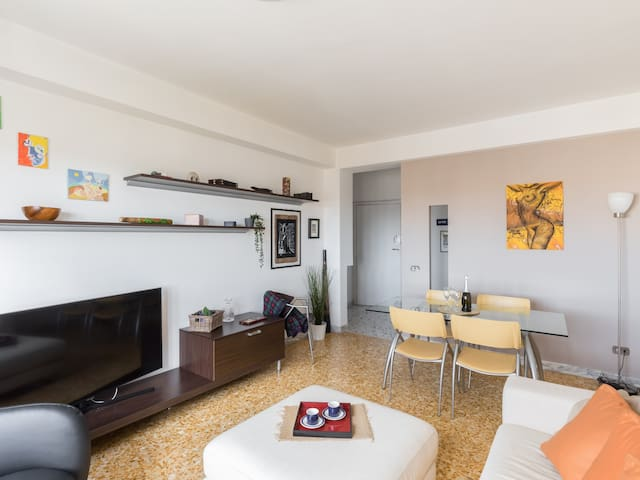 Large and modern, 6 guests, 2 WC, WiFi, Monti Tiburtini