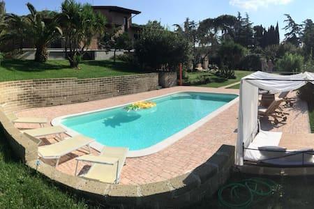 Villa Mirtilla - Bed&Pool (2 people up to 5)