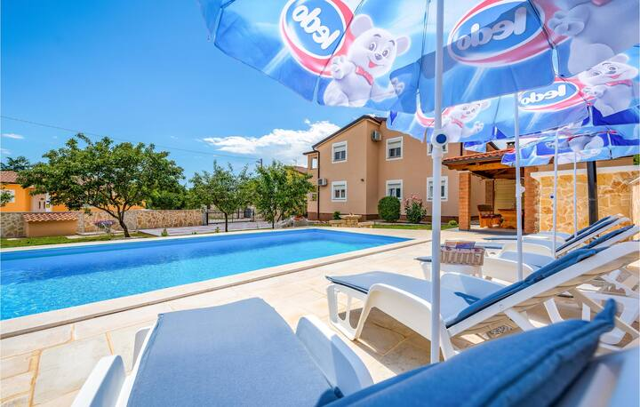 Nice home in Porec with WiFi and 3 Bedrooms
