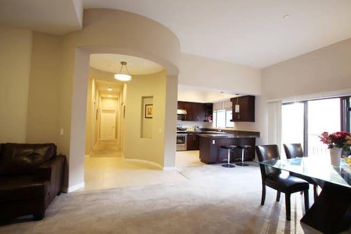 Luxury Apt 高尚华人区市中心豪华套房三房一厅出租 - Monterey Park  - 公寓