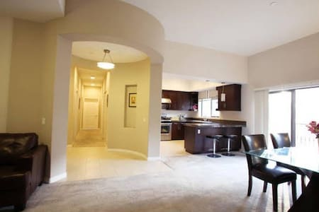 Luxury Apt 高尚华人区市中心豪华套房三房一厅出租 - Monterey Park  - 아파트