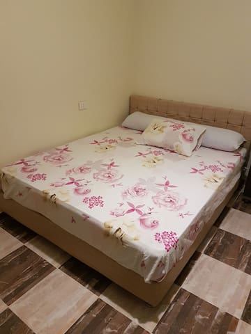 1 bedroom apartment near to old vic & mamsha
