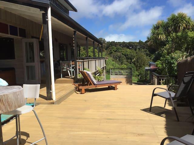 Secluded sunny house -  Raglan surf beaches