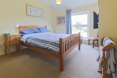 Welcoming large room, cosy cottage - Ludgvan - Inap sarapan