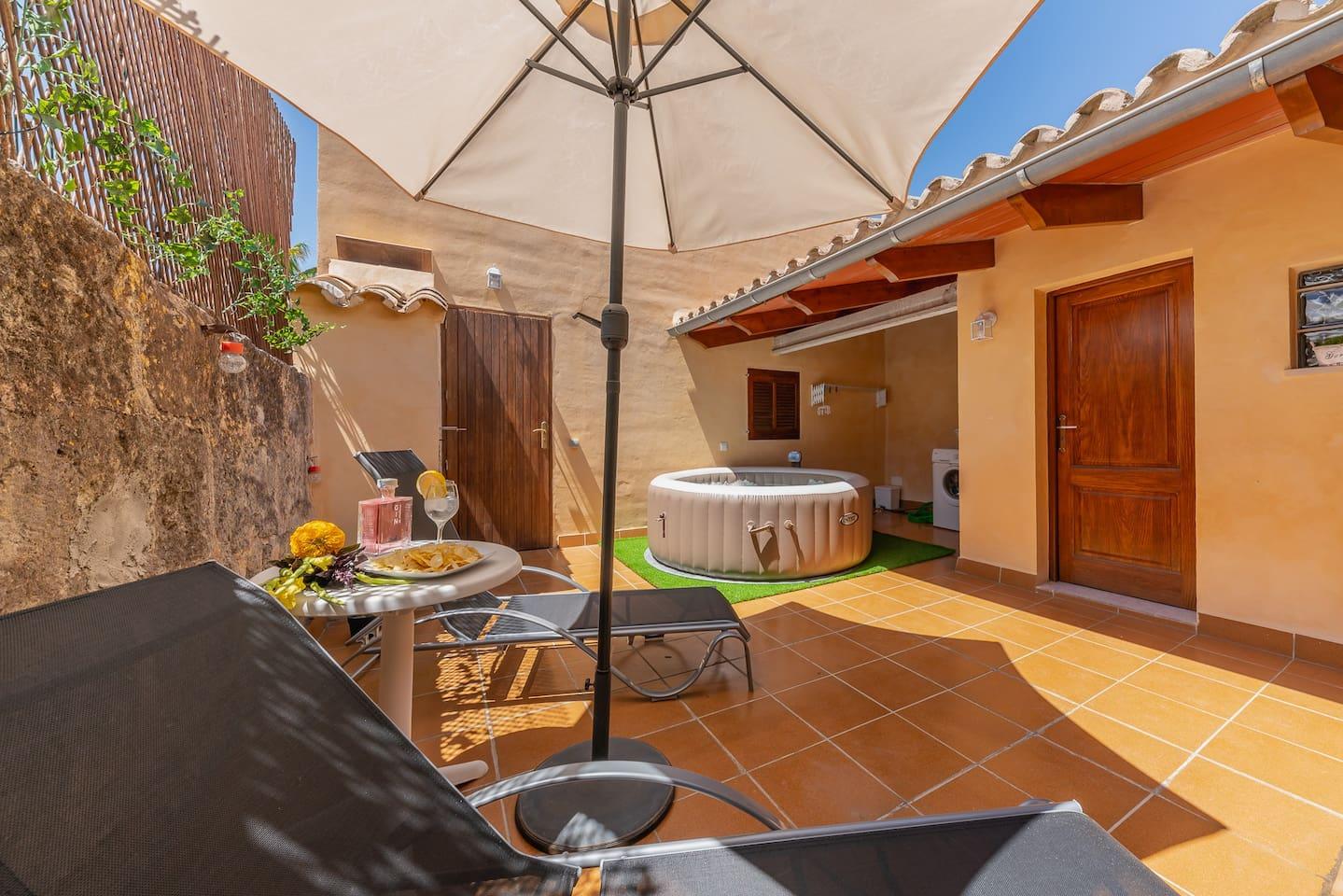 S'Arraval: Nice house with terrace & jacuzzi