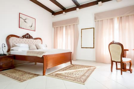 #6# Palata Venezia 4*, Old town Ul - Ulcinj - Bed & Breakfast