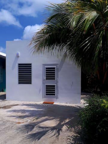 Curacao Cute  Cozy   studio apt 3 C's.
