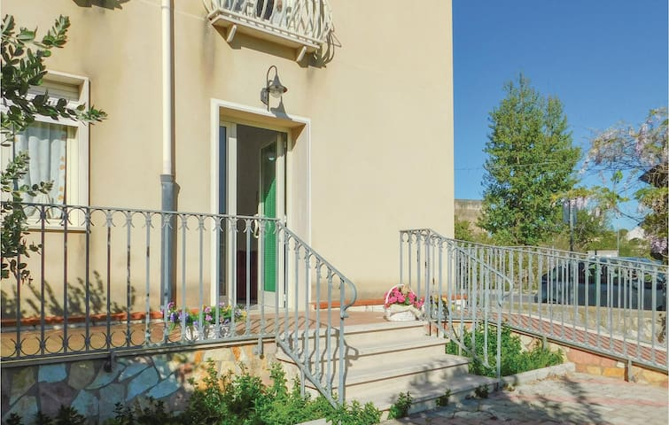 Holiday apartment with 2 bedrooms on 75m² in Salemi TP