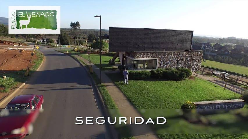 DORMITORIO Y BAÑO EN SUITE EN LUGAR TRANQUILO