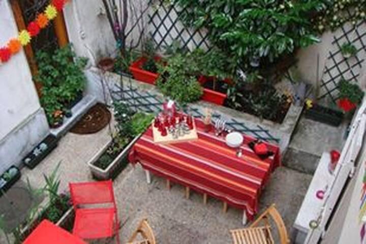 petite maison calme de Montmartre