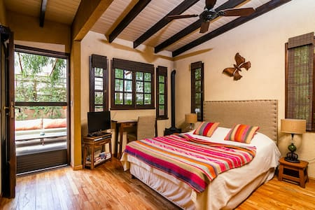 Room in the heart of San Telmo