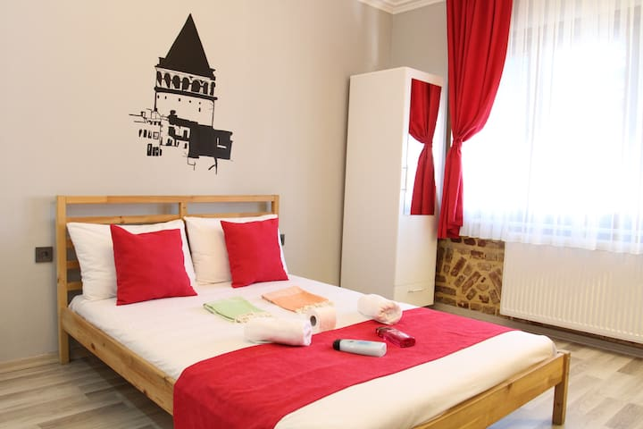 LOVELY&COSY FLAT IN CITY CENTER, NEXT TO BUS/FERRY