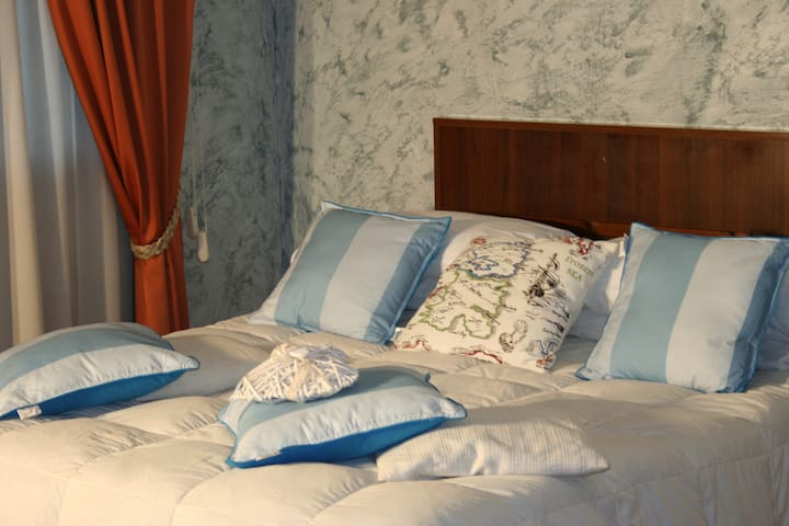 2 BED  ROOMS  SUITE  APARTMENT - Isola Sacra