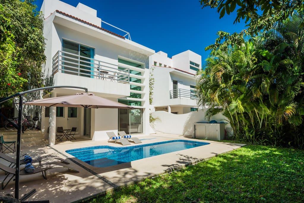 Playa Del Carmen Villa For Rent