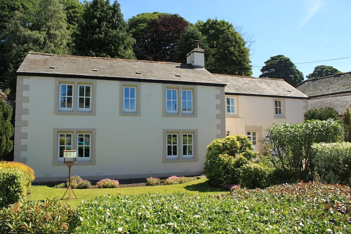 Cosy rural Double room with continental breakfast