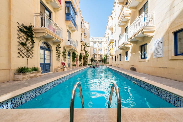 Luxury penthouse, breathtaking coastal views
