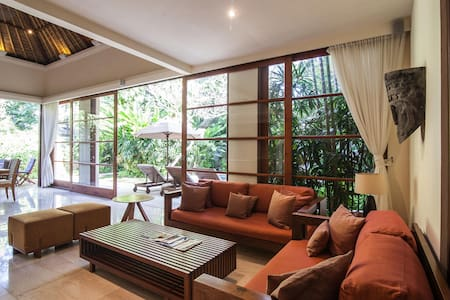Luxury Villa By JIMBARAN BAY !! - Kuta Selatan