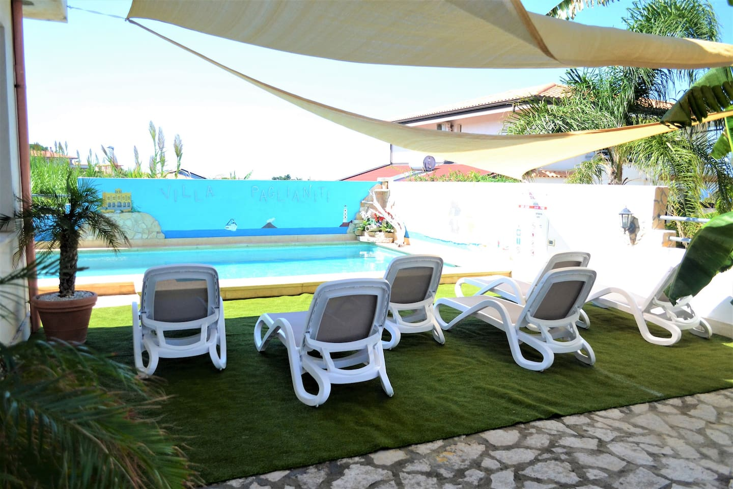 Family Apartment with Pool and Wi-Fi, Tropea