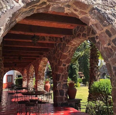 Cabaña mexicana en la montaña.