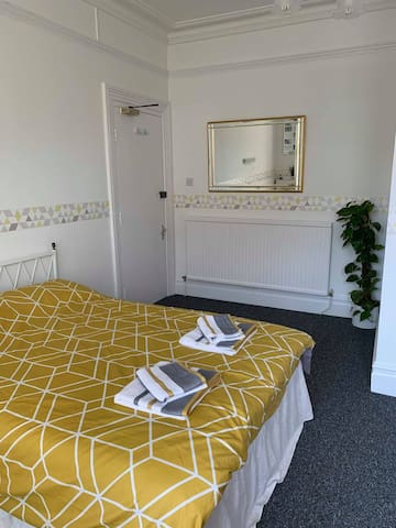 Ground Floor Double Room with Ensuite