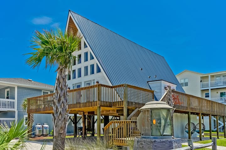 "Stunning ""A-Frame OIB"" w/ Hot Tub by the Beach"
