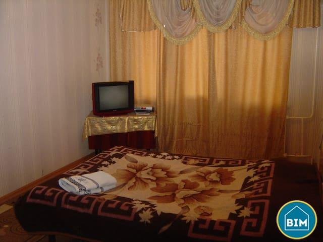 Сдается 1к.кв 5 мкр по Карла Маркса - Bishkek - Apartment