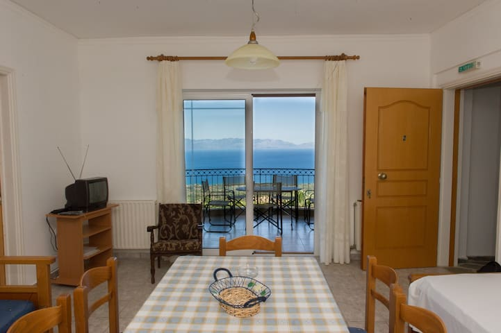 Flat in stone residence with pool/Amazing seaview