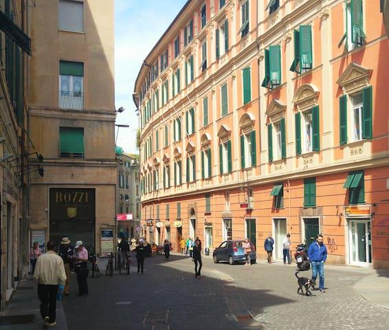 2 ambientes c/balcón en el corazón de Génova