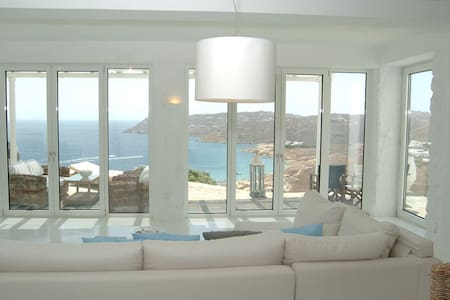 Luxurious Villa with private pool in Mykonos, Elia