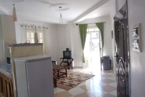 Appartement T3 100m2 récent prox. Port et Plages