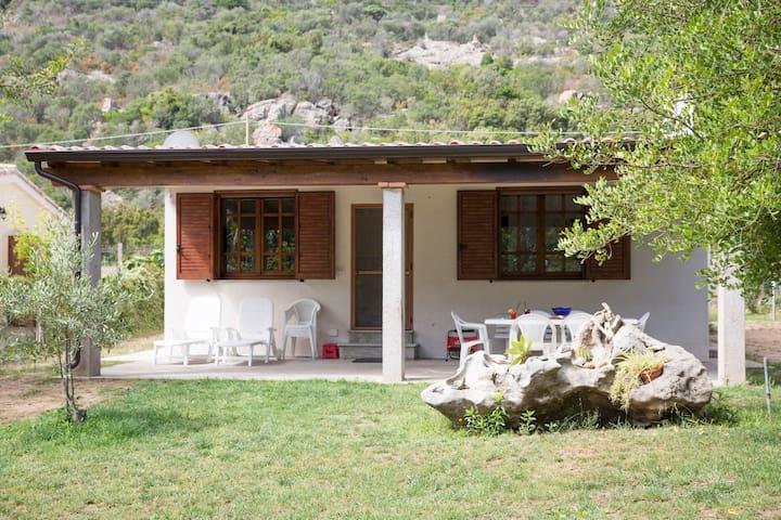 Bellissima villa a 300 m dal mare - Perdepera