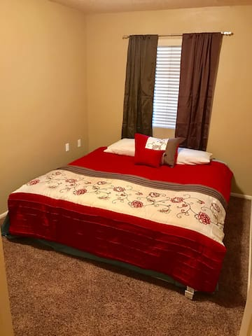 Cedar Cove Room 3 king bed - Cedar City - Apto. en complejo residencial