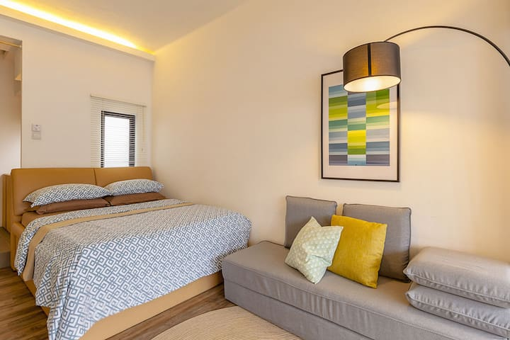 Bright, Airy City Suite Mins to MRT - Singapore - Apartment